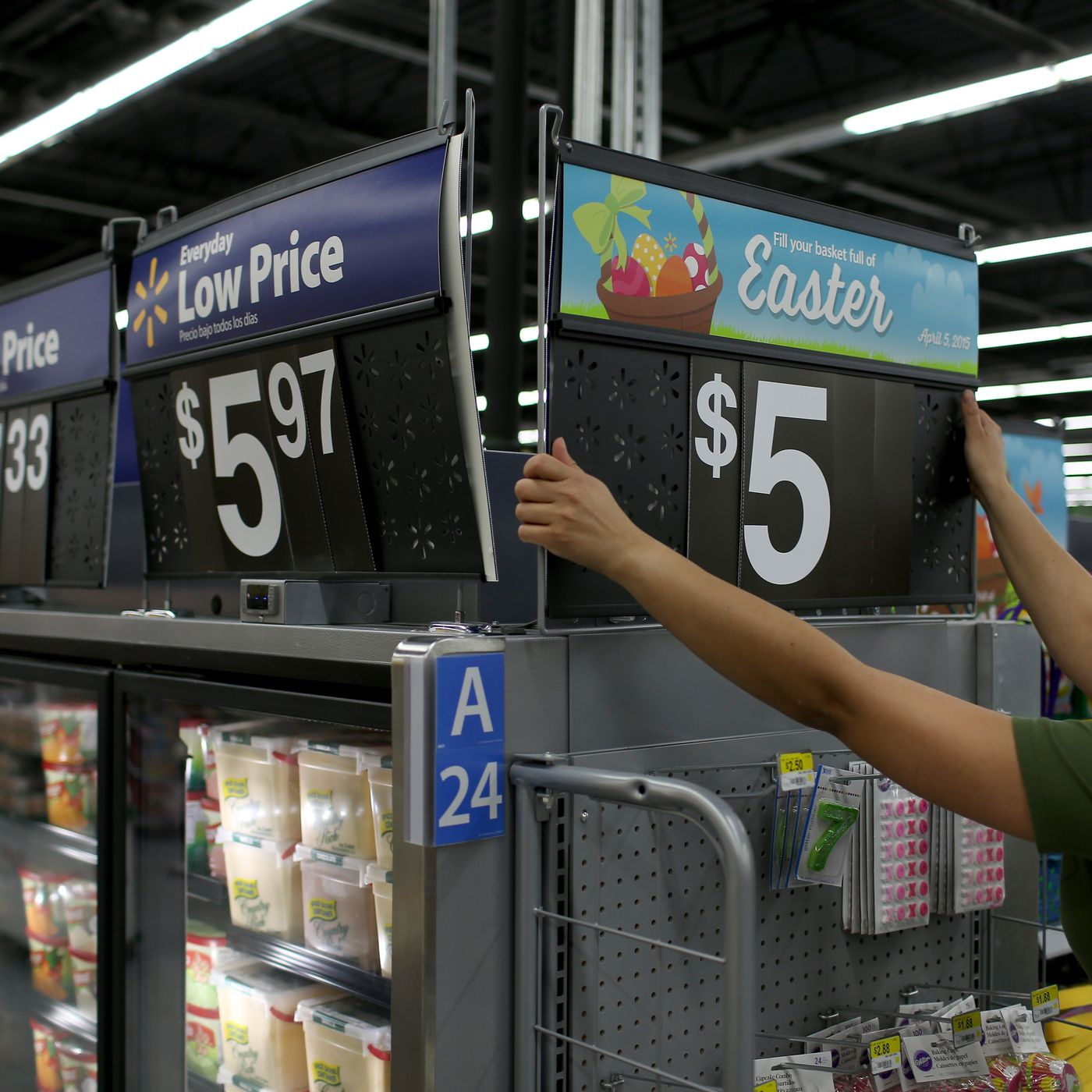 Walmart says its new robots will make human employees