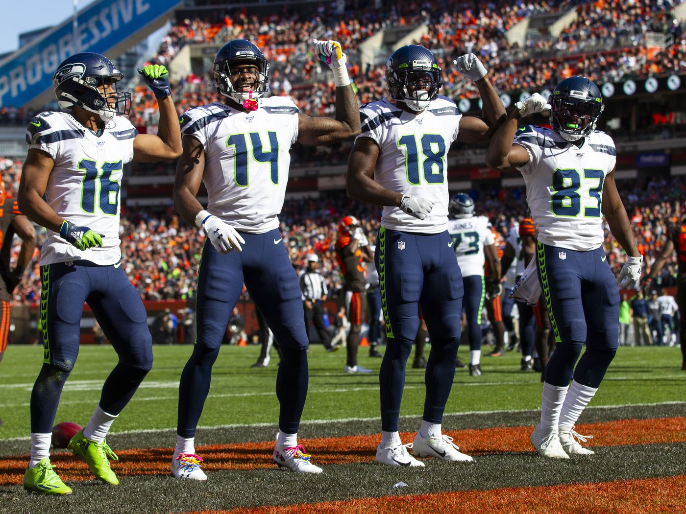 Fantasy Football Start Sit Advice Week 7 What To Do With Dk Metcalf Tyler Lockett Draftkings Nation