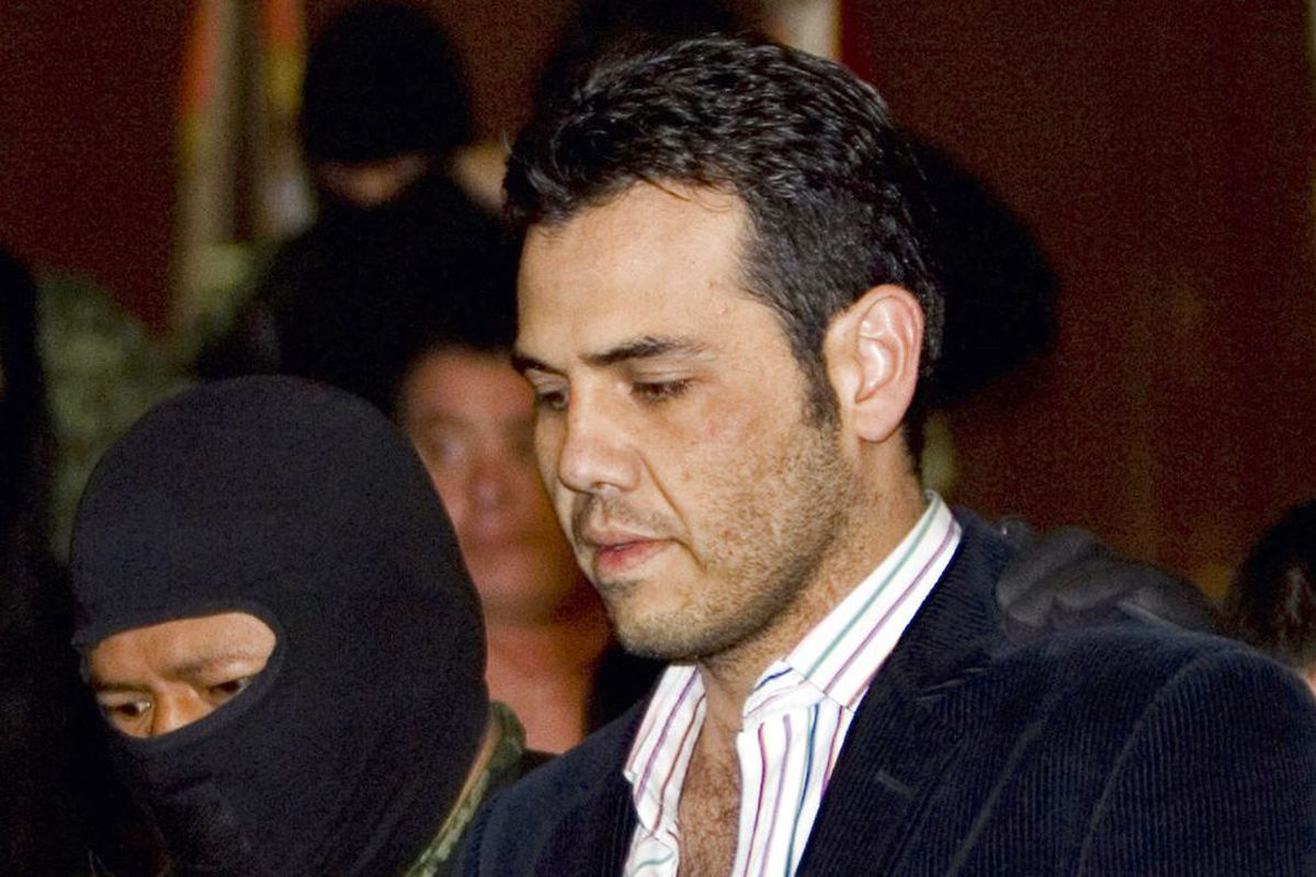 Vicente Zambada-Niebla gave up 'El Chapo,' now he faces 17 years at