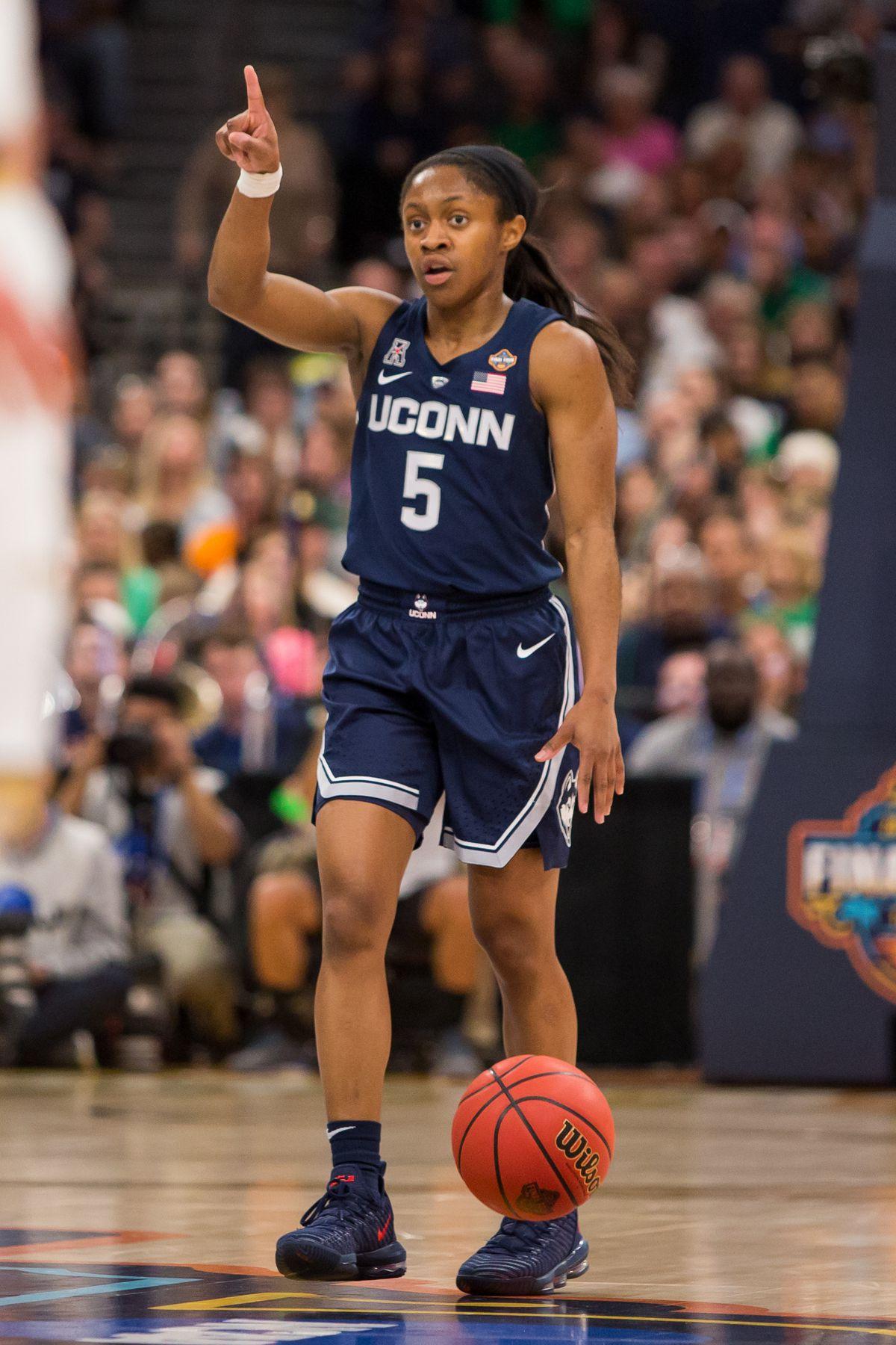 NCAA BASKETBALL: APR 05 Div I Women's Championship - Final Four - Notre Dame v UCONN