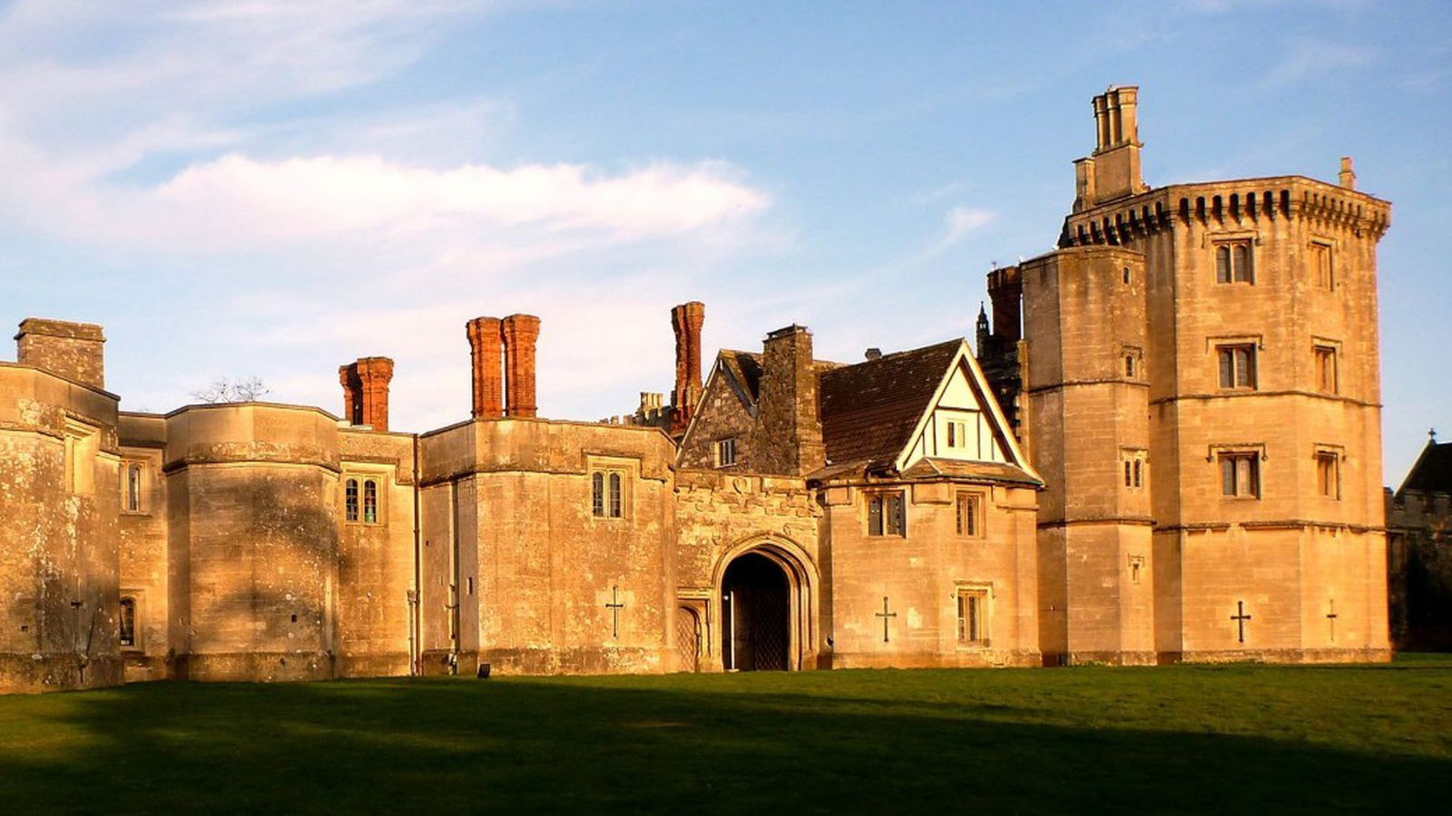 King Henry Viii S Honeymoon Castle Lists For 10 3m Curbed