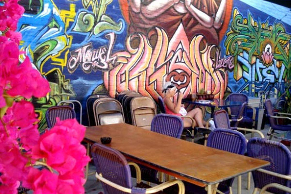 "The patio at Echo Park bookstore Stories. Image via <a href=""http://www.apartmenttherapy.com/la/inspiration/color-inspiration-stories-bookstore-in-echo-park-090098"">Apartment Therapy</a>"