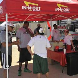 """<a href=""""http://eater.com/archives/2011/05/17/mark-sanchez-gets-in-n.php"""" rel=""""nofollow"""">Mark Sanchez Gets In-N-Out to Cater 'Jets West' Mini-Camp</a><br />"""