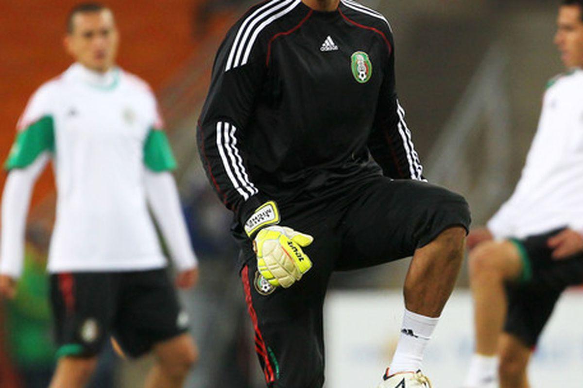 Luis Ernesto Michel was unable to stop Alvaro Pereira's goal and Mexico's eventual elimination.
