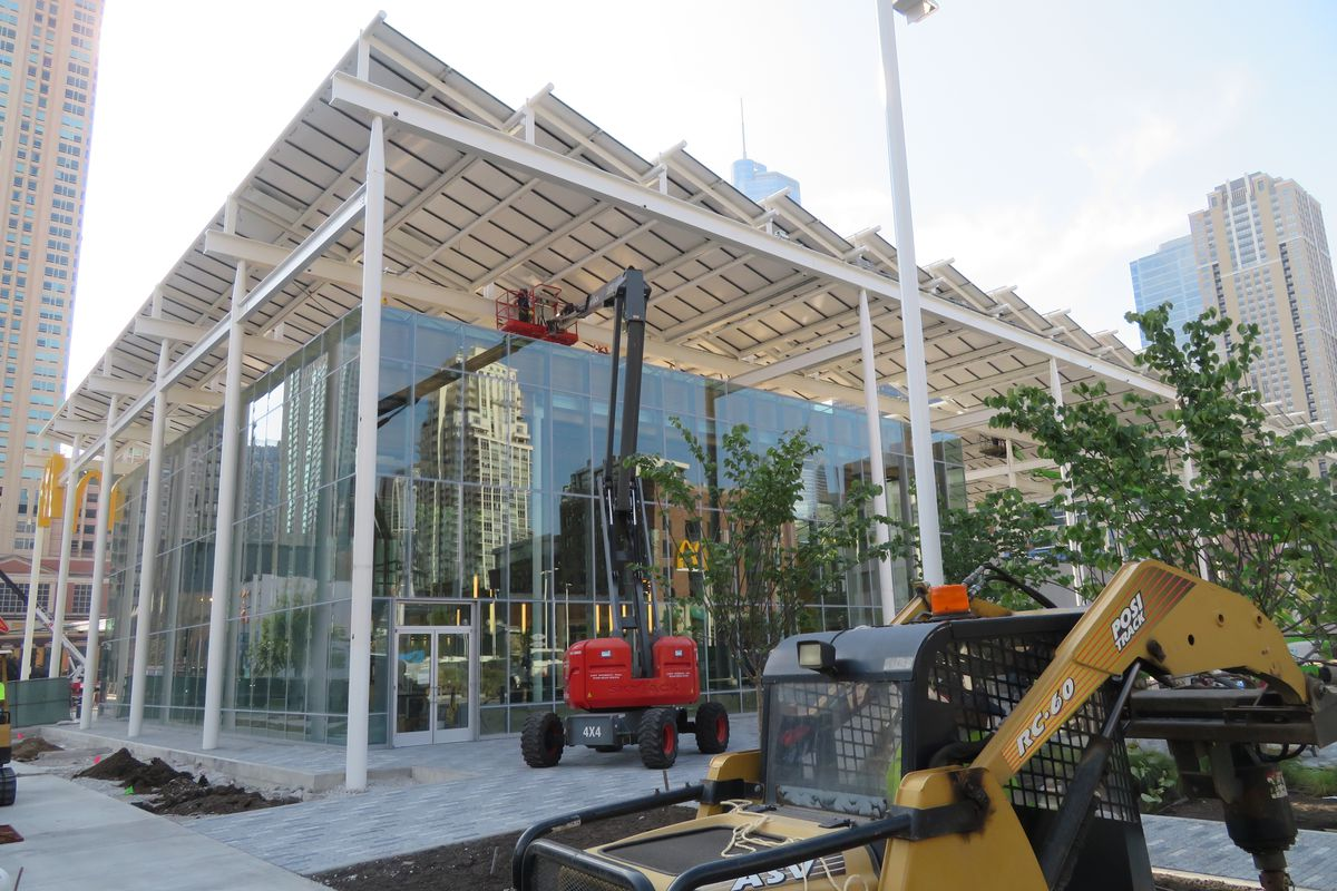 Crews Work On A New Mcdonald S In River North Curbed Chicago Jay Koziarz