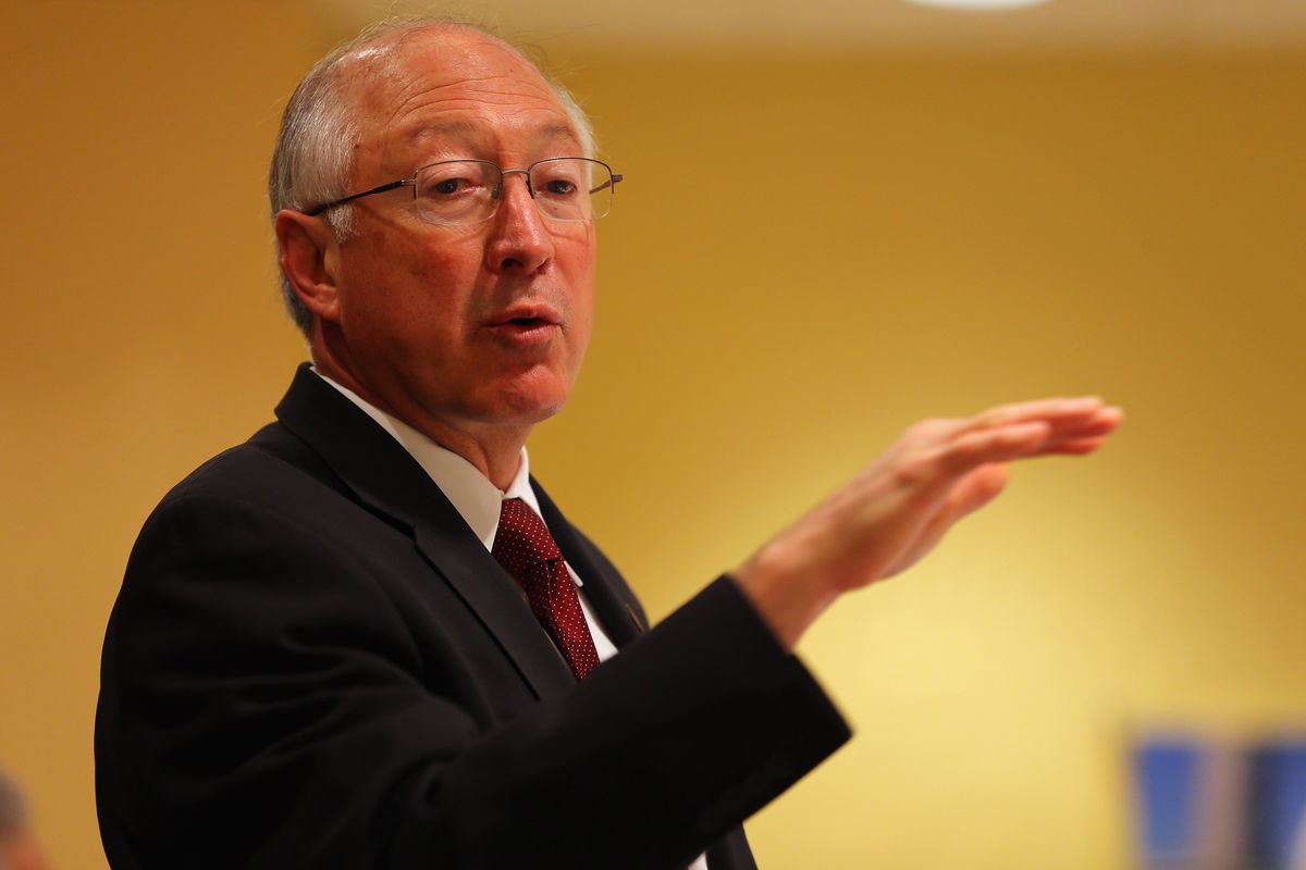Interior Sec'y Salazar Addresses Greater Miami Chamber of Commerce