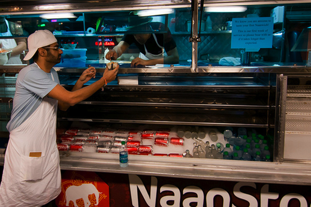 Non-stop service at NaanStop.