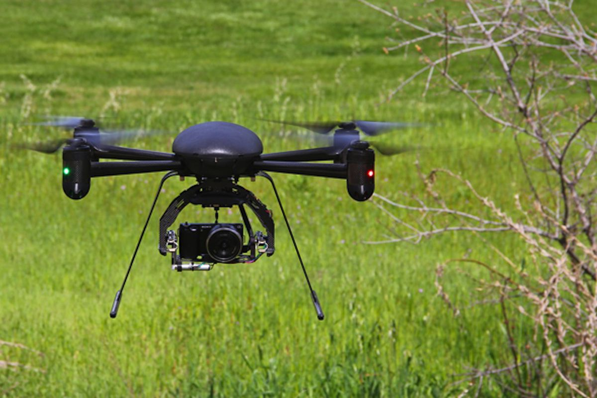 Draganflyer X4-ES drone helicopter (Credit: Draganfly)