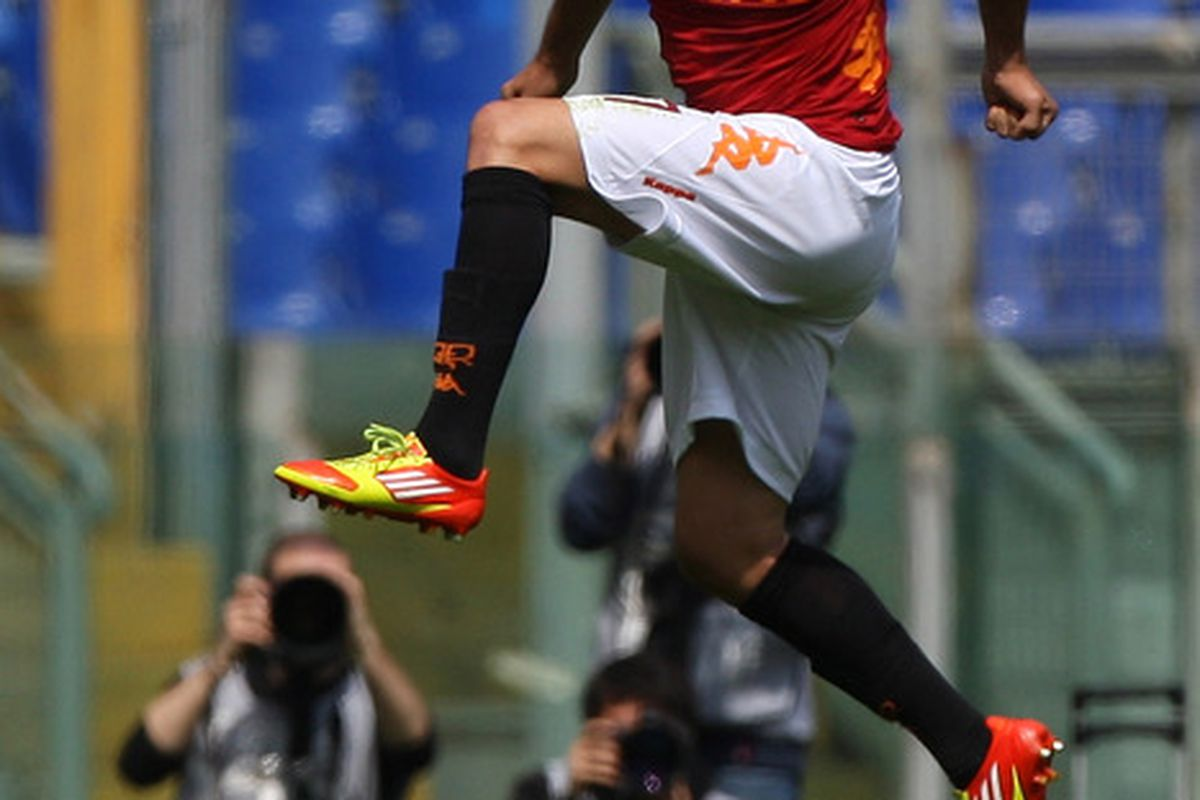ROME, ITALY - APRIL 01:  Marco Antonio Marquinho of AS Roma celebrates after scoring the goal during the Serie A match between AS Roma and Novara Calcio at Stadio Olimpico on April 1, 2012 in Rome, Italy.  (Photo by Paolo Bruno/Getty Images)