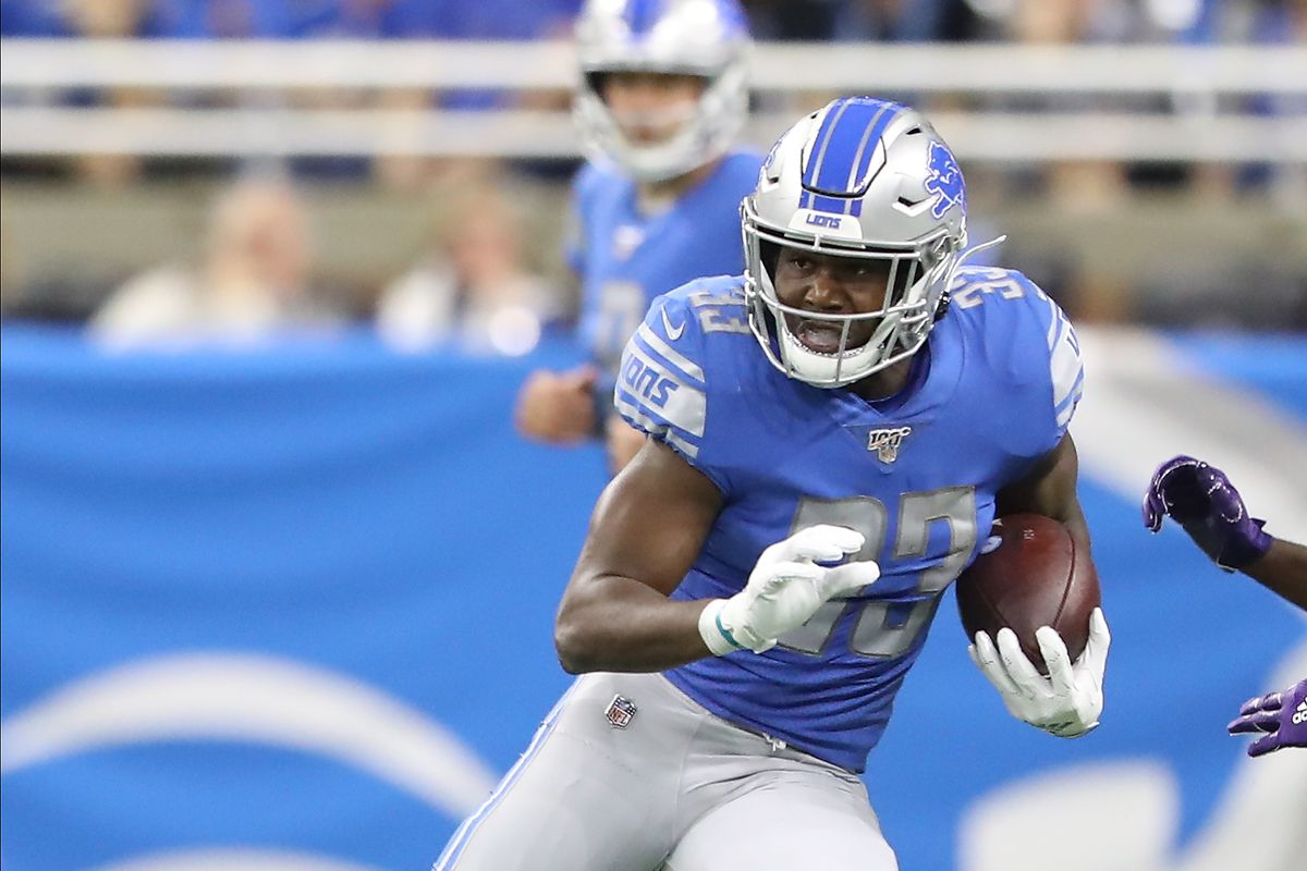 Kerryon Johnson of the Detroit Lions runs the ball in the first quarter against the Minnesota Vikings at Ford Field on October 20, 2019 in Detroit, Michigan.