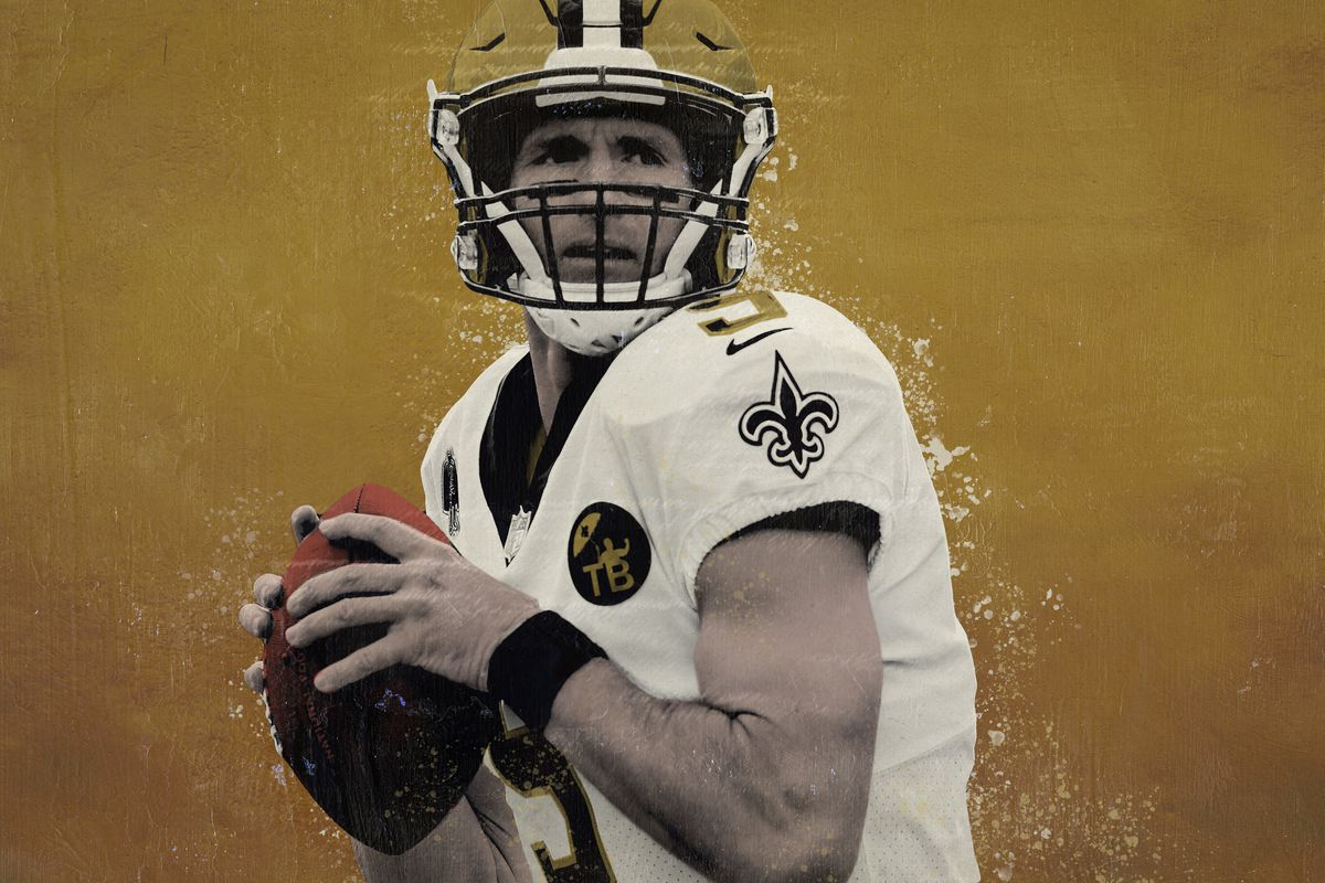 Drew Brees throwing the football