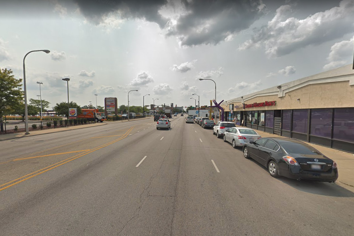 Photo of a street where a robbery was reported.