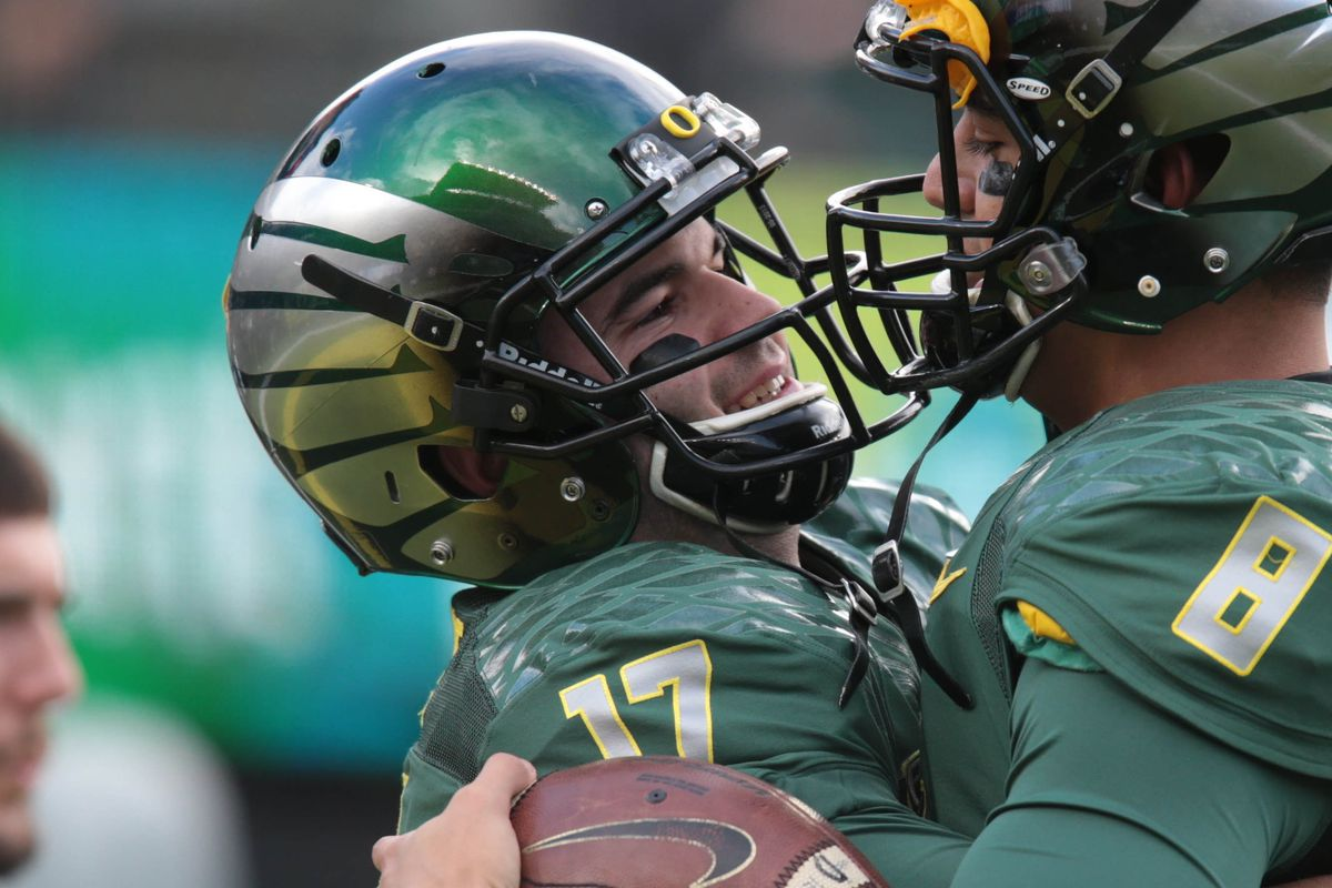 Look longingly into his eyes and tell me, would you feel comfortable betting on Jeff Lockie to lead Oregon to 10 wins?