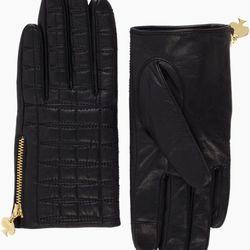 "<b>Kate Spade</b> Quilted Logo Glove, <a href=""http://www.katespade.com/quilted-logo-glove/PSRU0851,en_US,pd.html?dwvar_PSRU0851_color=001&dwvar_PSRU0851_size=7&cgid=ks-accessories-hats-scarves-gloves#start=15&cgid=ks-accessories-hats-scarves-gloves"">$148"
