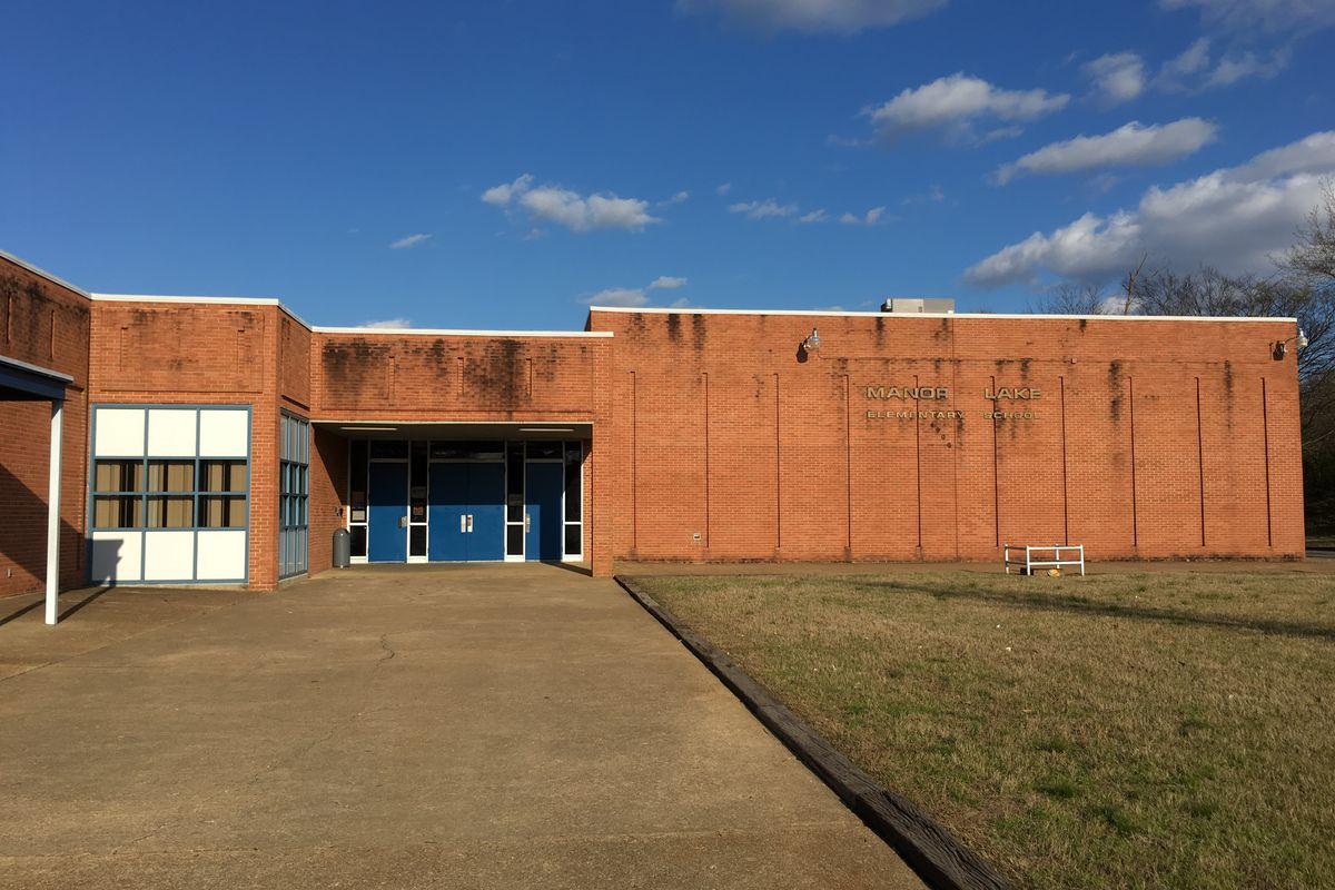 A community group proposed combining Manor Lake Elementary and Geeter Middle School, but elementary parents aren't convinced.