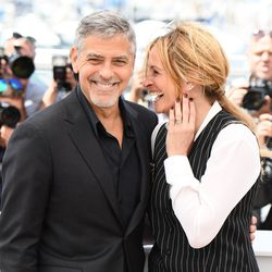 George Clooney and Julia Roberts at a photo op for 'Money Monster.'