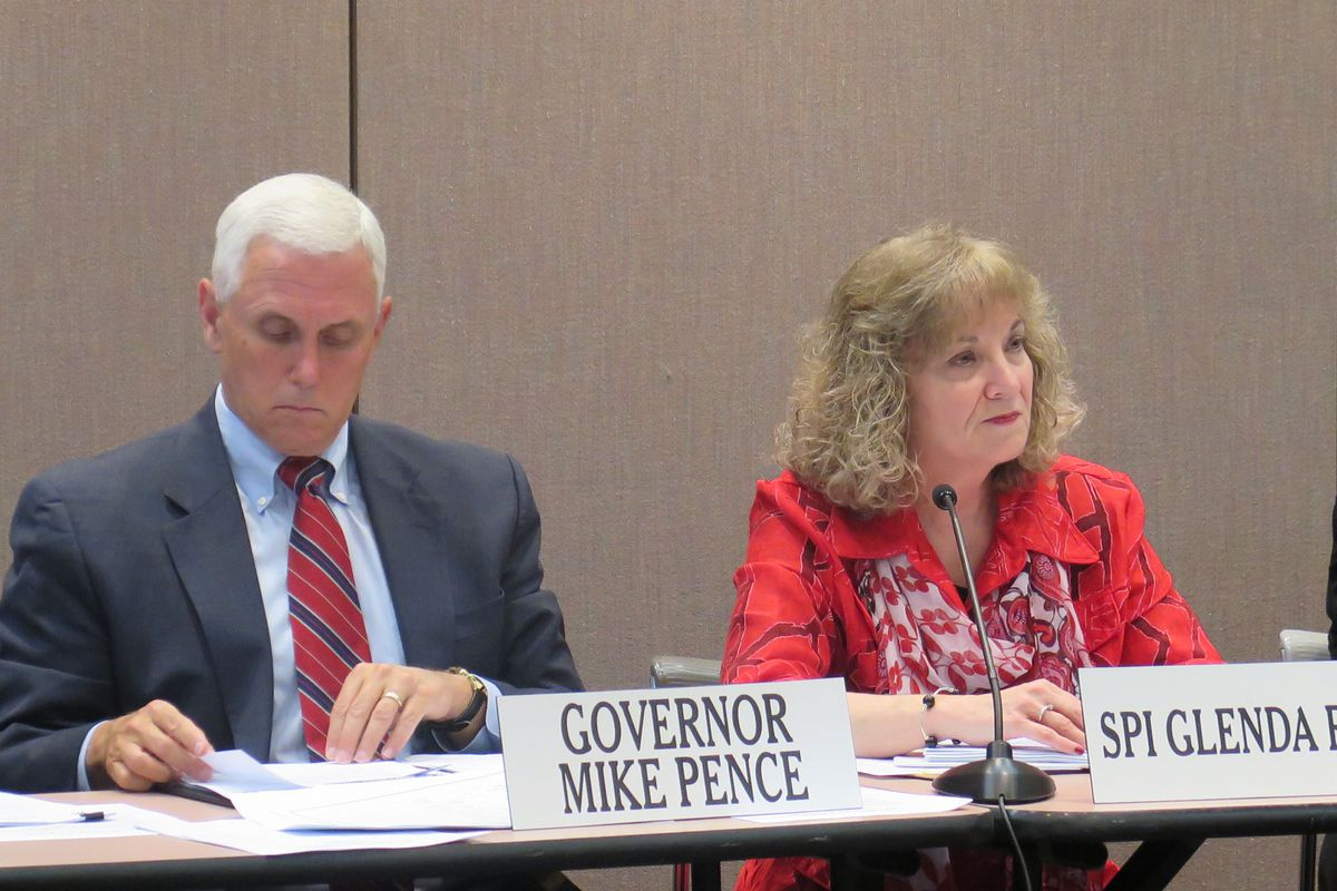 Gov. Mike Pence and state Superintendent Glenda Ritz reached an agreement on how to handle a predicted drop in ISTEP passing rates for 2015.