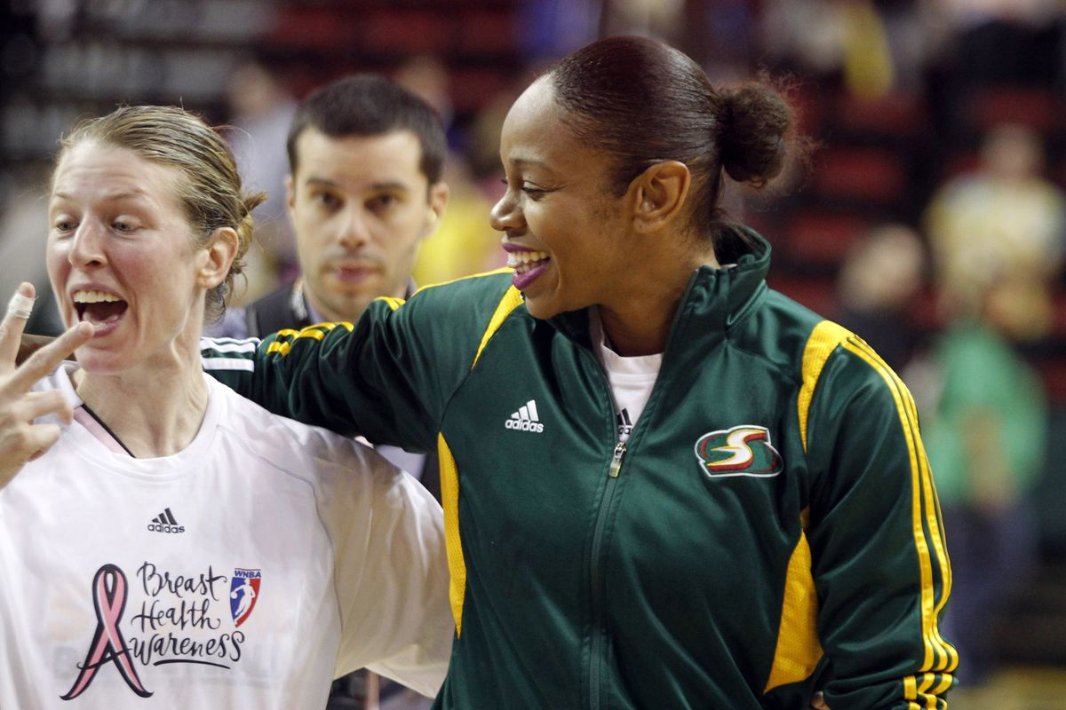 Katie Smith and Tina Thompson played their final regular season WNBA games this past weekend.