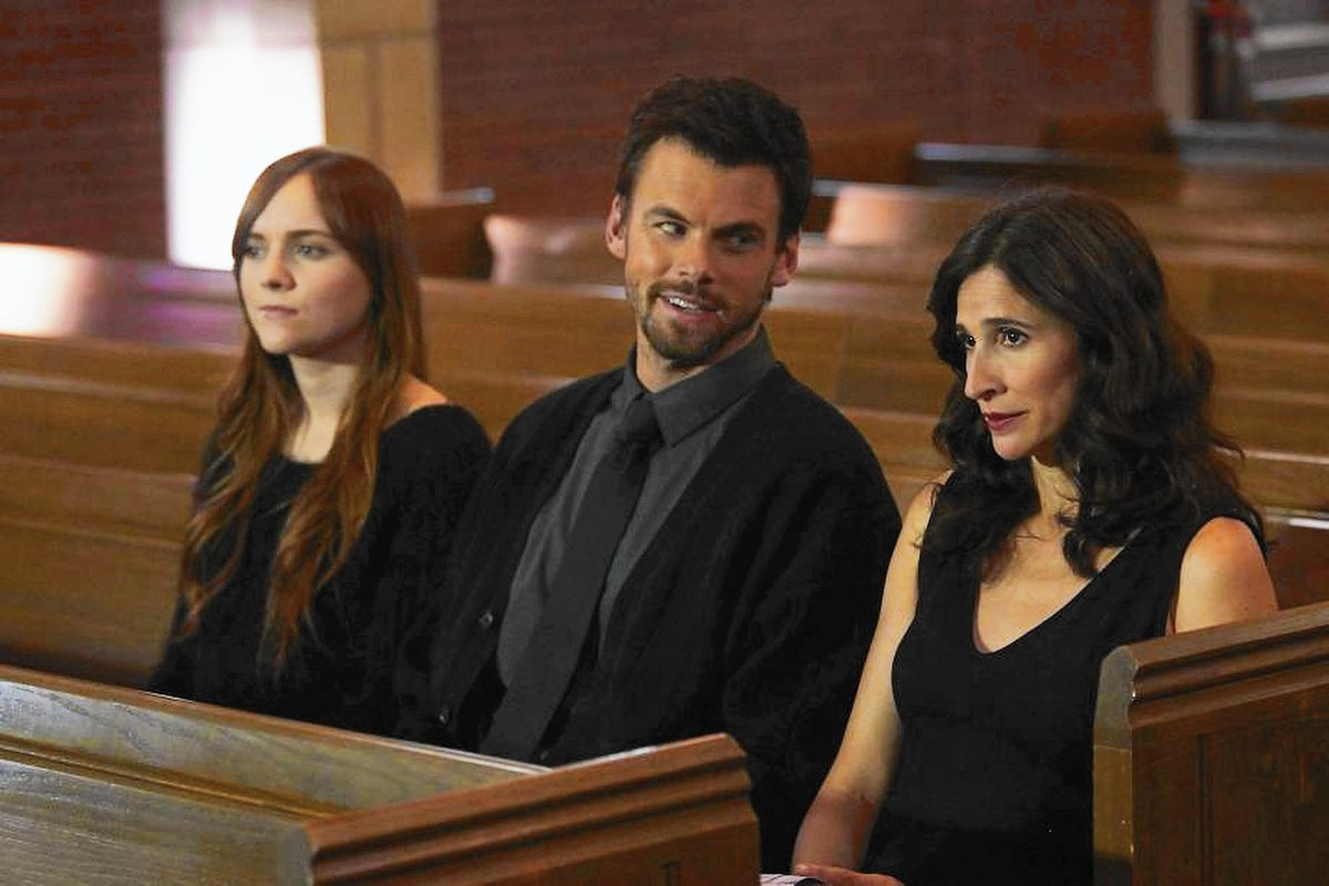 Hulu's Casual centers on a fractured, funny family. NEVER HEARD THAT ONE BEFORE!