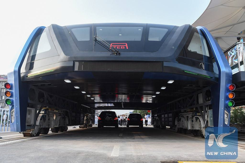 China is investigating that weird, traffic-straddling bus
