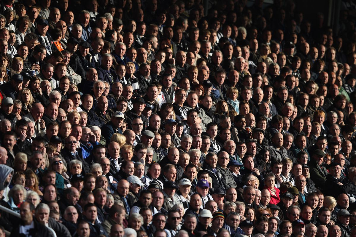 NEWCASTLE UPON TYNE, ENGLAND - NOVEMBER 05: Home support during the Barclays Premier League match between  Newcastle United and Everton at St James' Park on November 5, 2011 in Newcastle upon Tyne, England.  (Photo by Michael Steele/Getty Images)