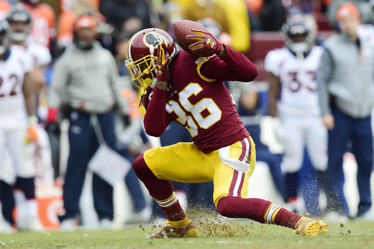 67a8e6fb6ee Redskins defeat the Packers 31-17 in a sloppy upset - Hogs Haven