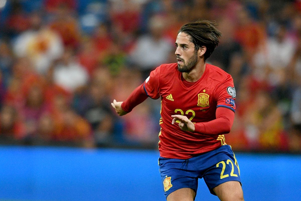 Isco leaves Spain s friendly with suspected injury Managing Madrid