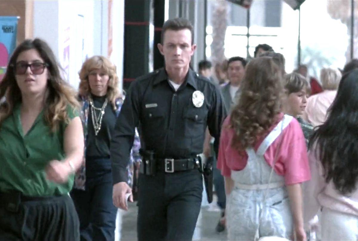 "The T-1000 walks through the Santa Monica Place mall in ""Terminator 2."""