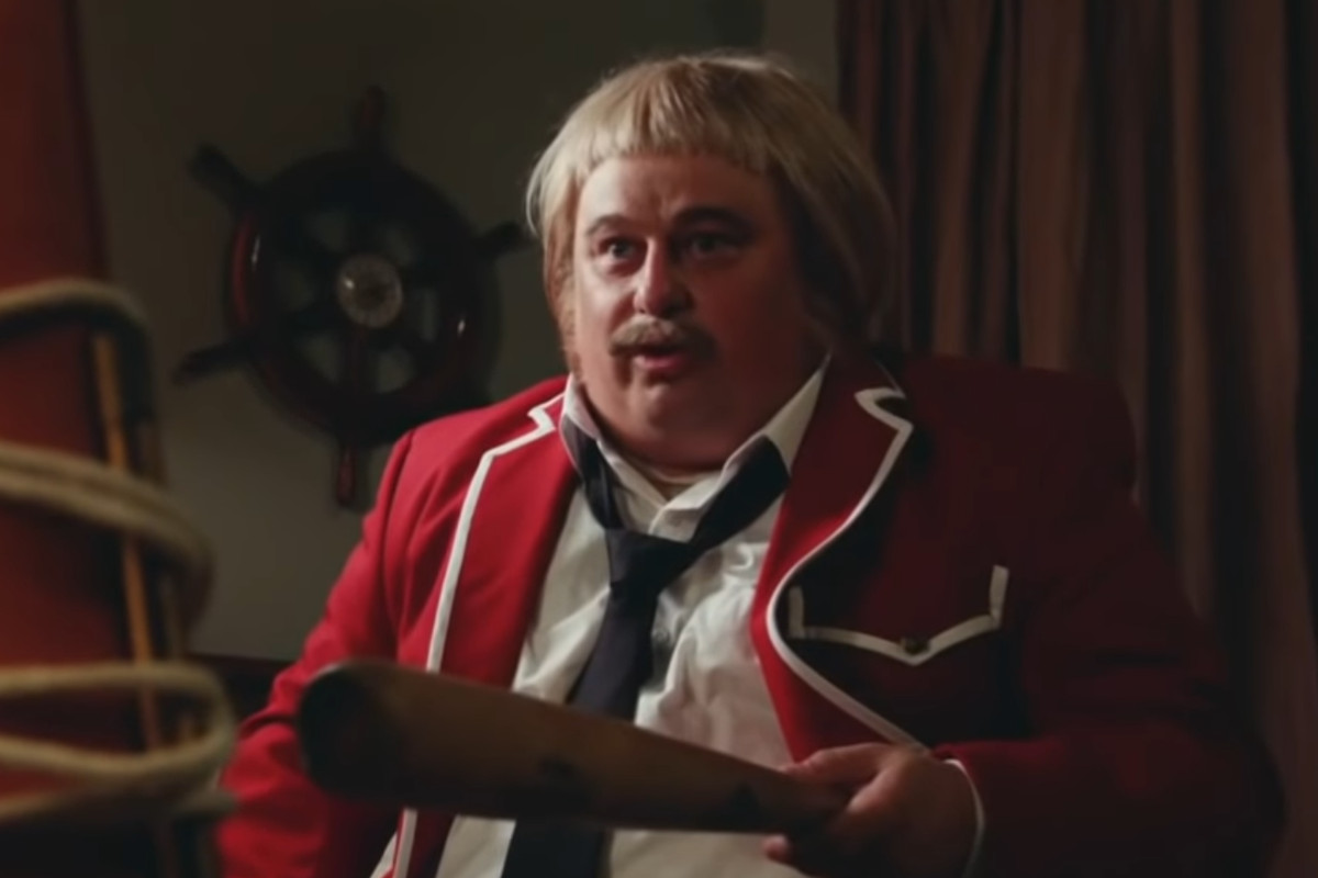 VIDEO: Chicago actor plays vicious Captain Kangaroo in Mr