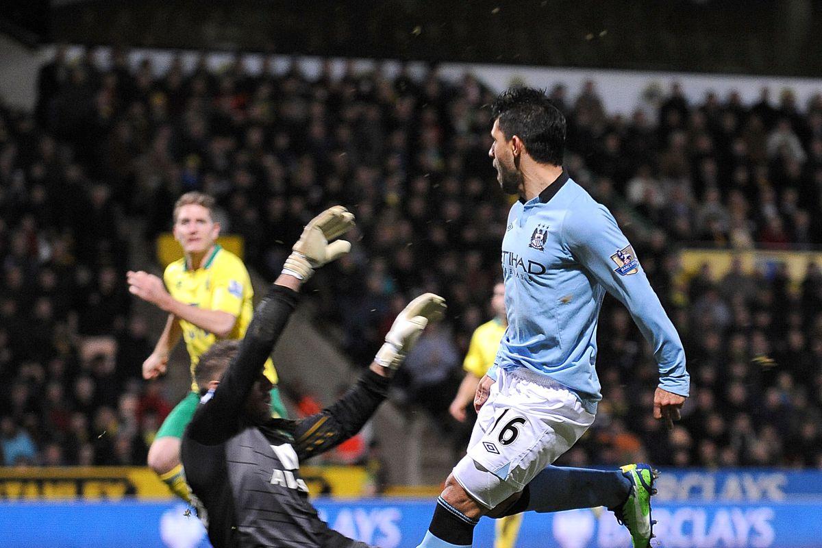Soccer - Barclays Premier League - Norwich City v Manchester City - Carrow Road