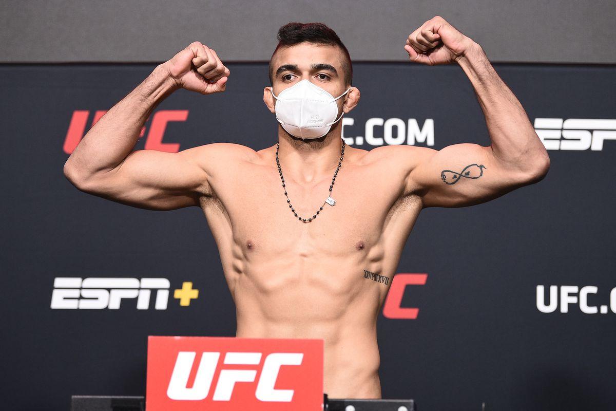 UFC Fight Night Overeem v Sakai: Weigh-Ins