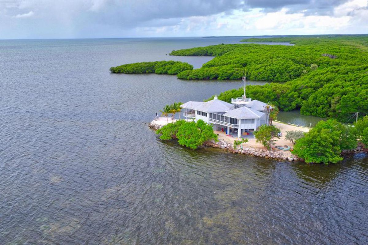A home for sale in Key Largo