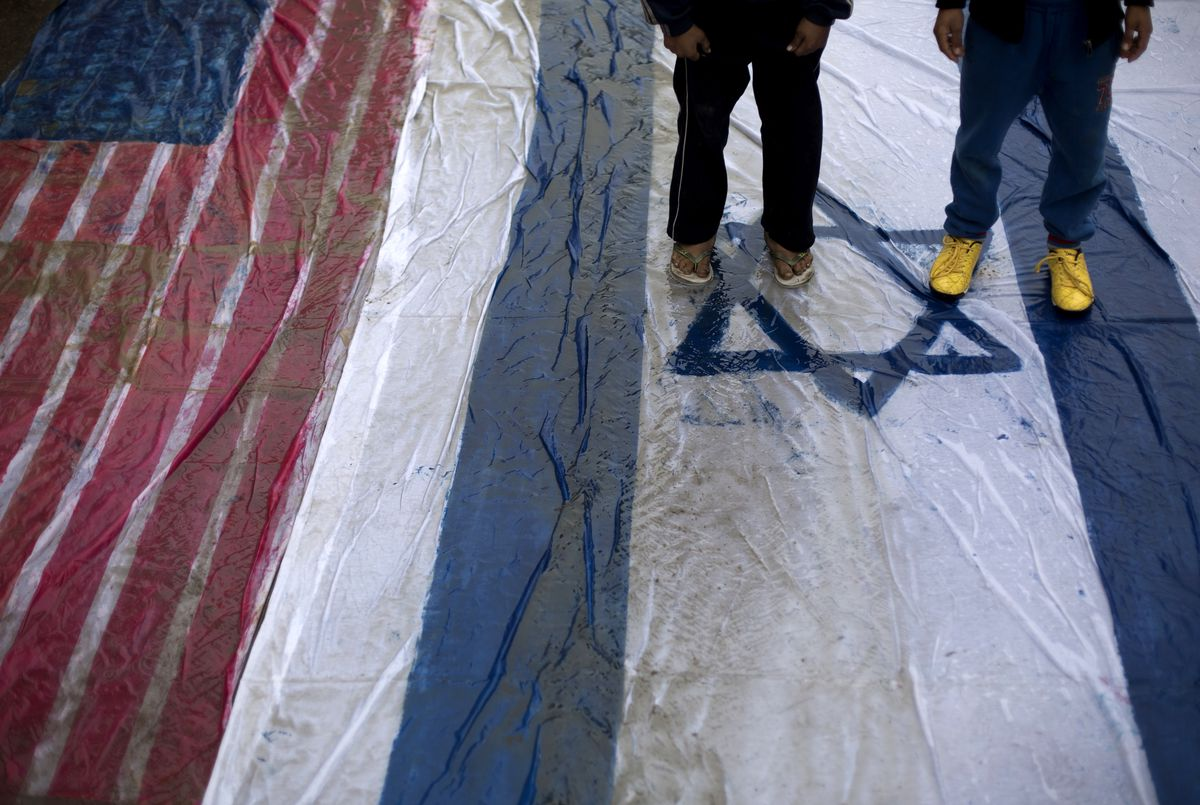 palestinians american flag israeli muddy