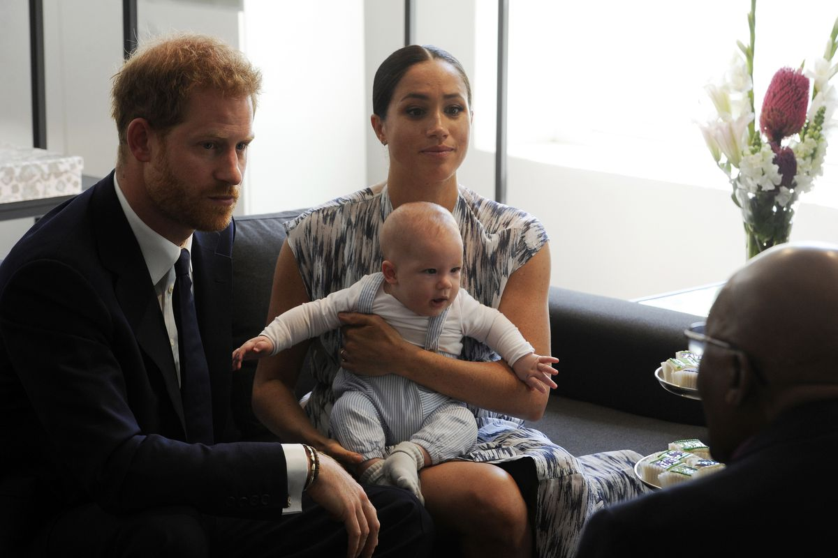 meghan markle opens up about challenges facing new mothers deseret news meghan markle opens up about challenges