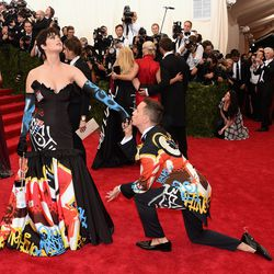 Katy Perry in Moschino and Jeremy Scott