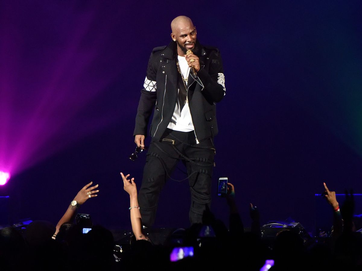 R. Kelly performs during The Buffet Tour at Allstate Arena on May 7, 2016 in Chicago.   Daniel Boczarski/Getty Images