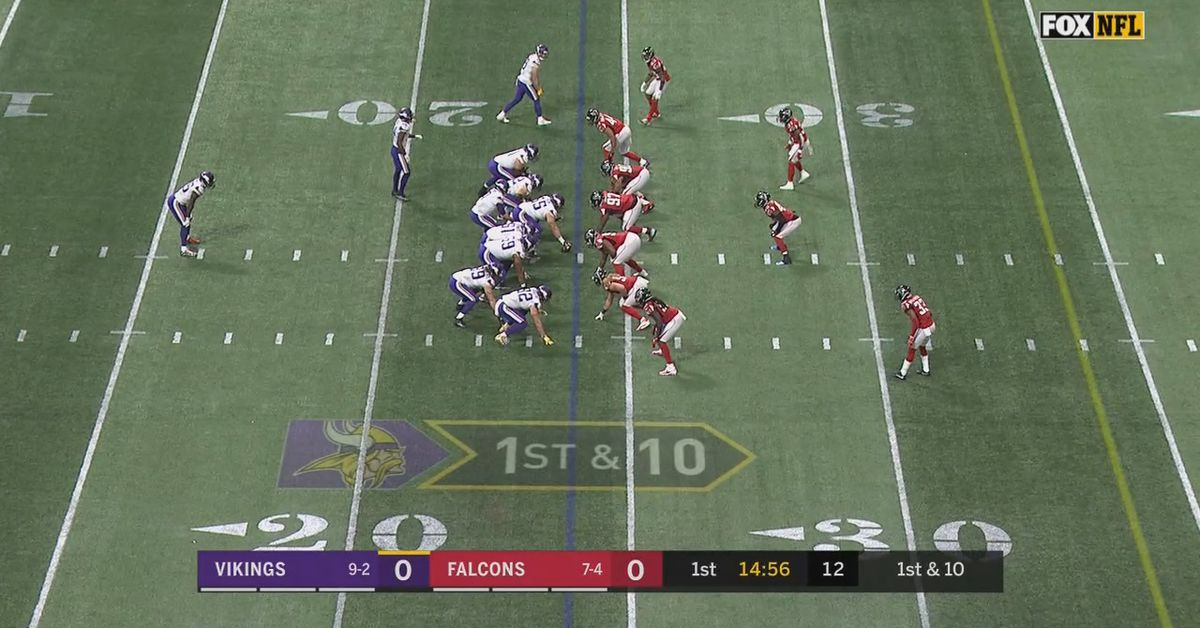 Mercedes Benz Seattle >> Vikings vs. Falcons: teams playing on incorrectly painted ...