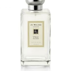 """This scent is based on anise, the same plant in alcohols like ouzo and sambuca. The vanilla keeps it from veering too far in the licorice category.<br /><br /><a href=""""http://www.jomalone.com/templates/products/sp_nonshaded.tmpl?CATEGORY_ID=CATEGORY6542&a"""