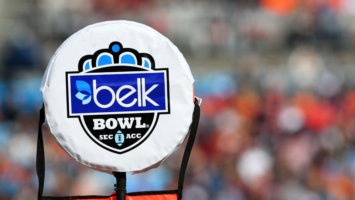 COLLEGE FOOTBALL: DEC 29 Belk Bowl - South Carolina v Virginia