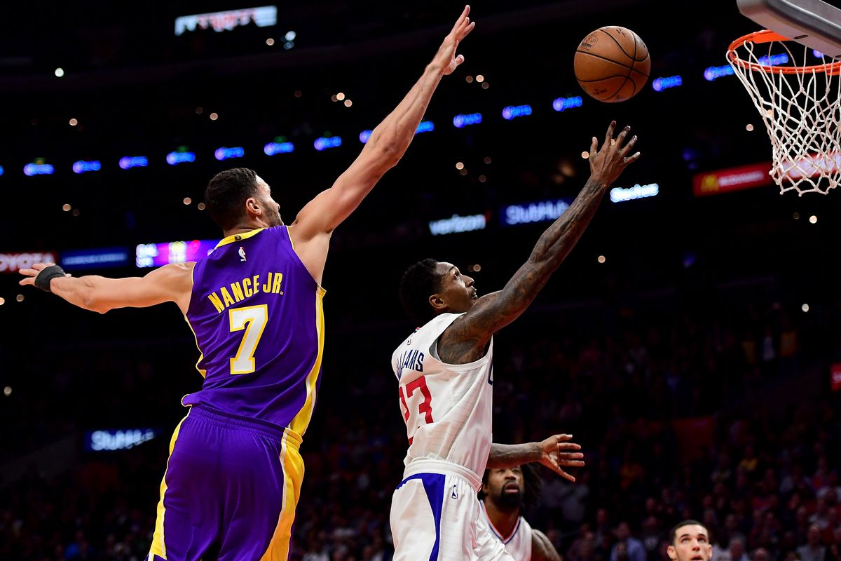 c9cf44498ac Clippers vs. Lakers Preview: Battle for Los Angeles, Preseason ...