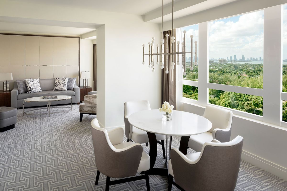 Fontainebleau miami beach rolls out upgraded suites for Boutique hotel fontainebleau