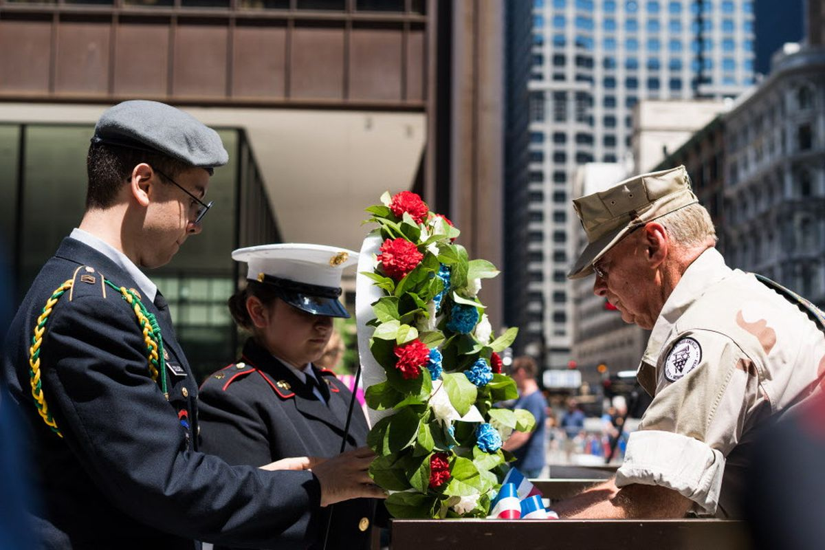 Chicago's Memorial Day Parade, Wreath-Laying Ceremony ...