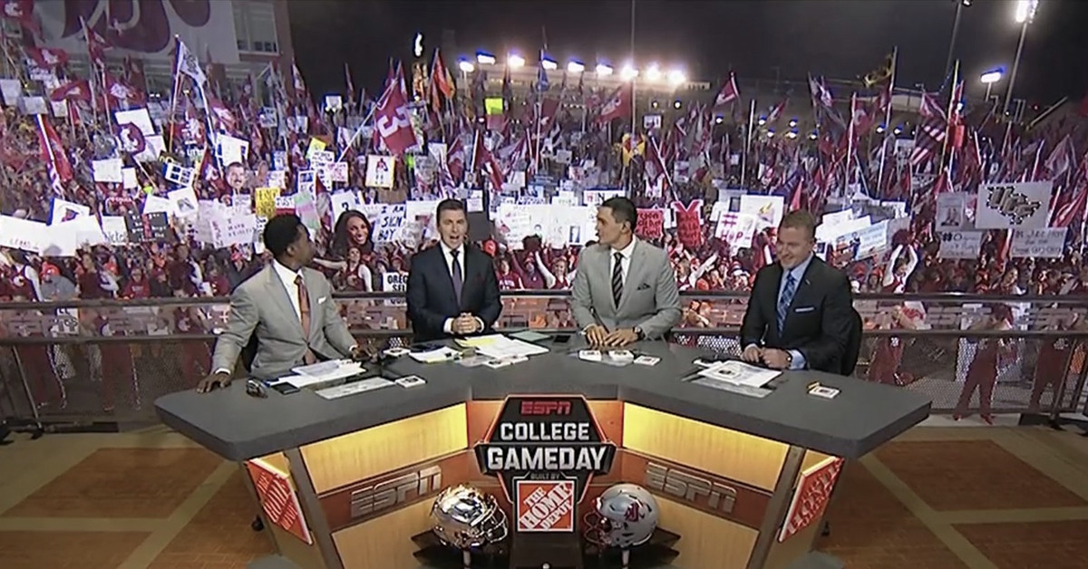 WSU's College GameDay crowd is absolutely bonkers - CougCenter