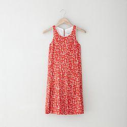 "Sea anchor dress, <a href=""http://www.stevenalan.com/VENSP13_NA_SP13-SS13-92.html?dwvar_VENSP13__NA__SP13-SS13-92_color=600"">$143</a> (was $359)"