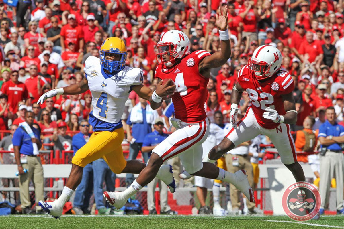 Nebraska quarterback Tommy Armstrong runs like a deer!