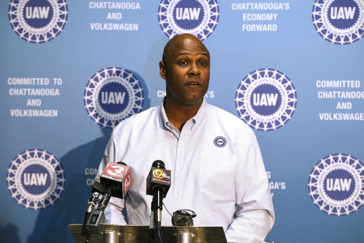 Ray Curry was elected president of the United Auto Workers union Monday.
