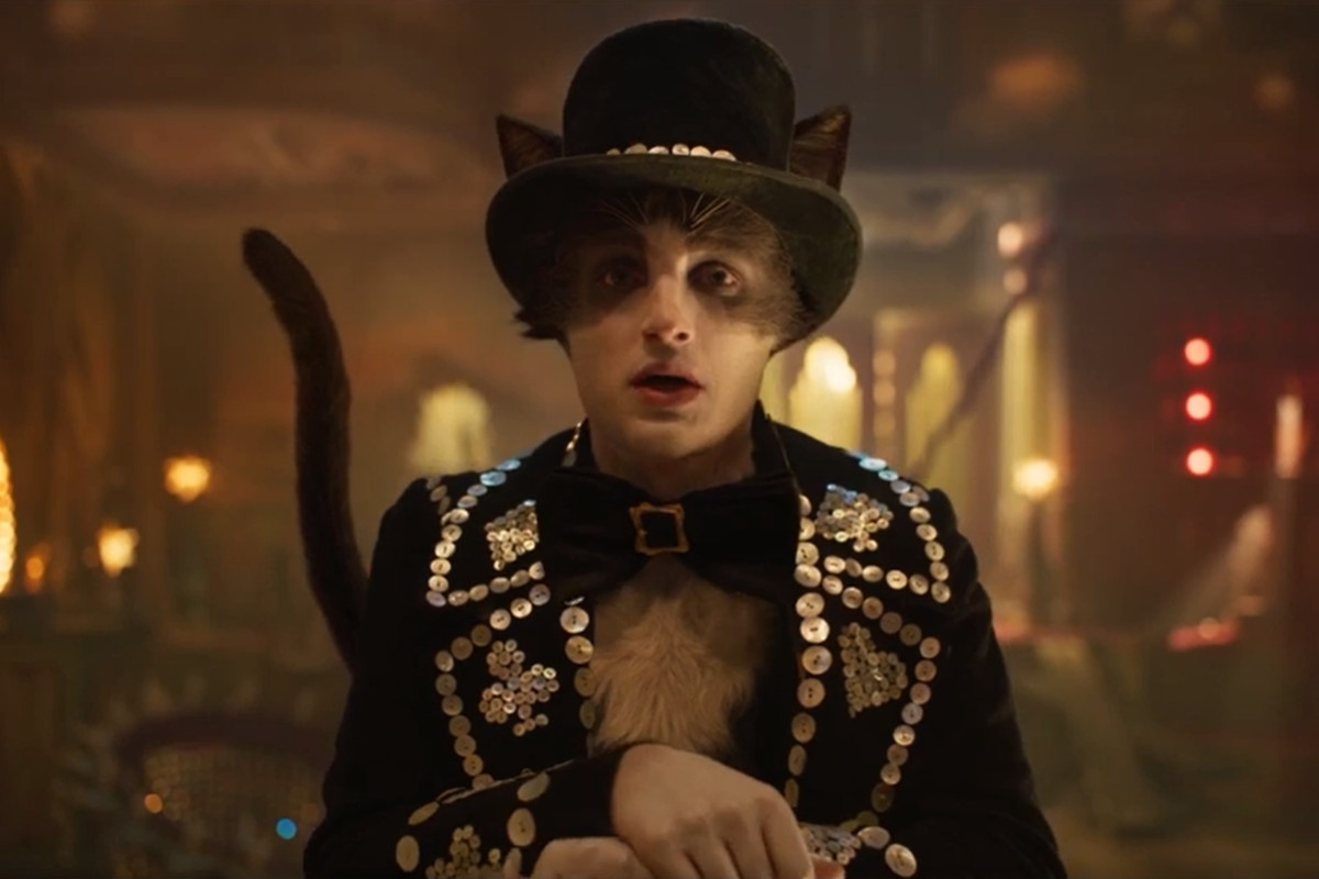 mr. mistoffelees as played by laurie davidson