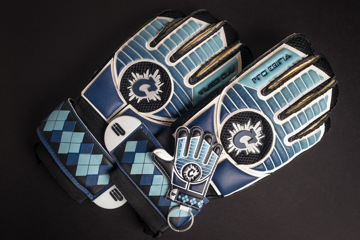 Special edition Cauldron gloves that Jimmy Nielsen is wearing