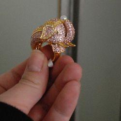 A pink elephant!