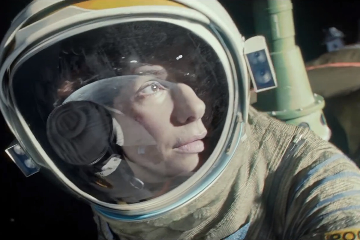 gravity' director defends casting sandra bullock after pressure for
